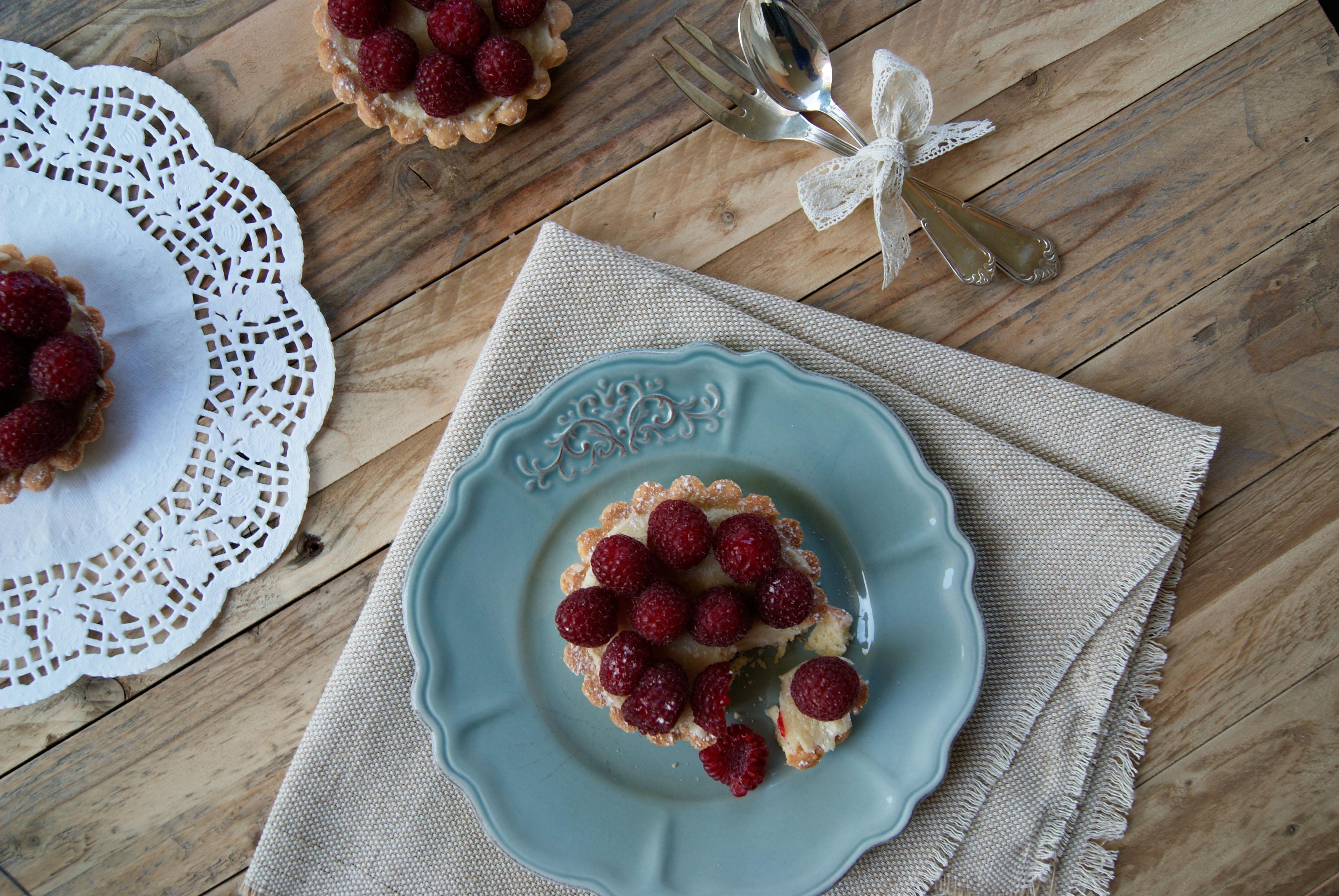 Tartelettes au chocolat blanc & aux framboises