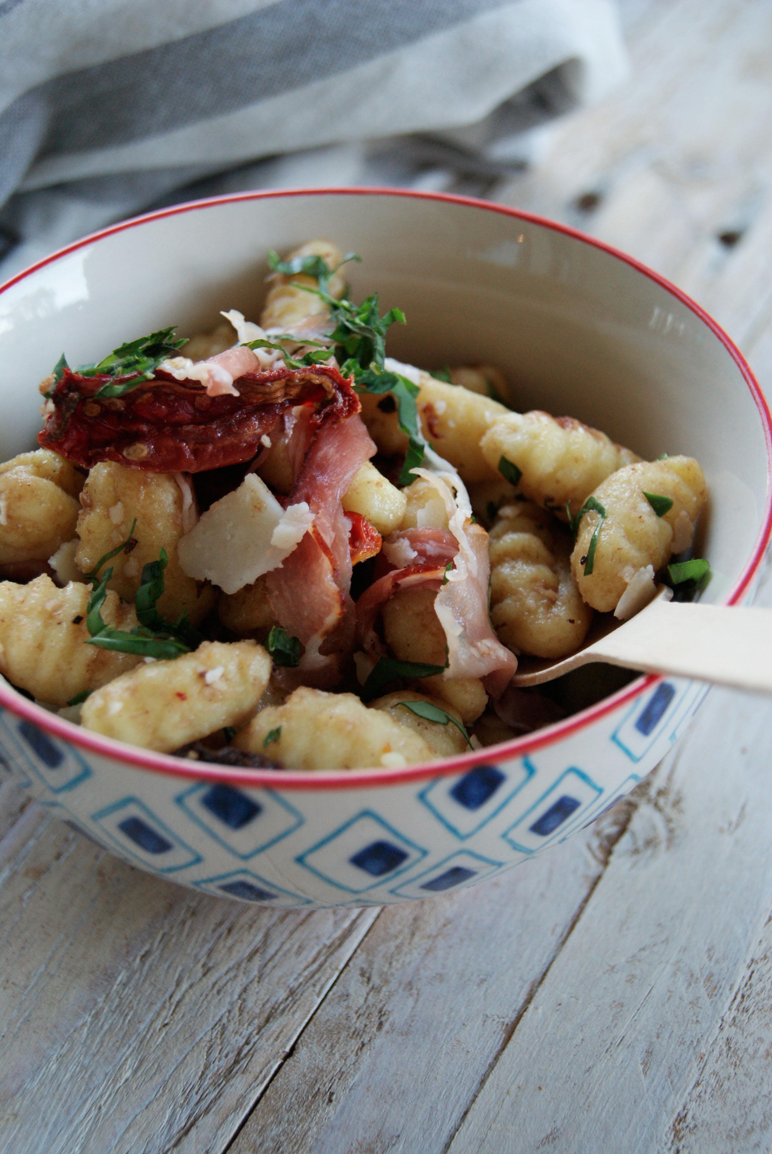 Salade de gnocchis au jambon de Parme