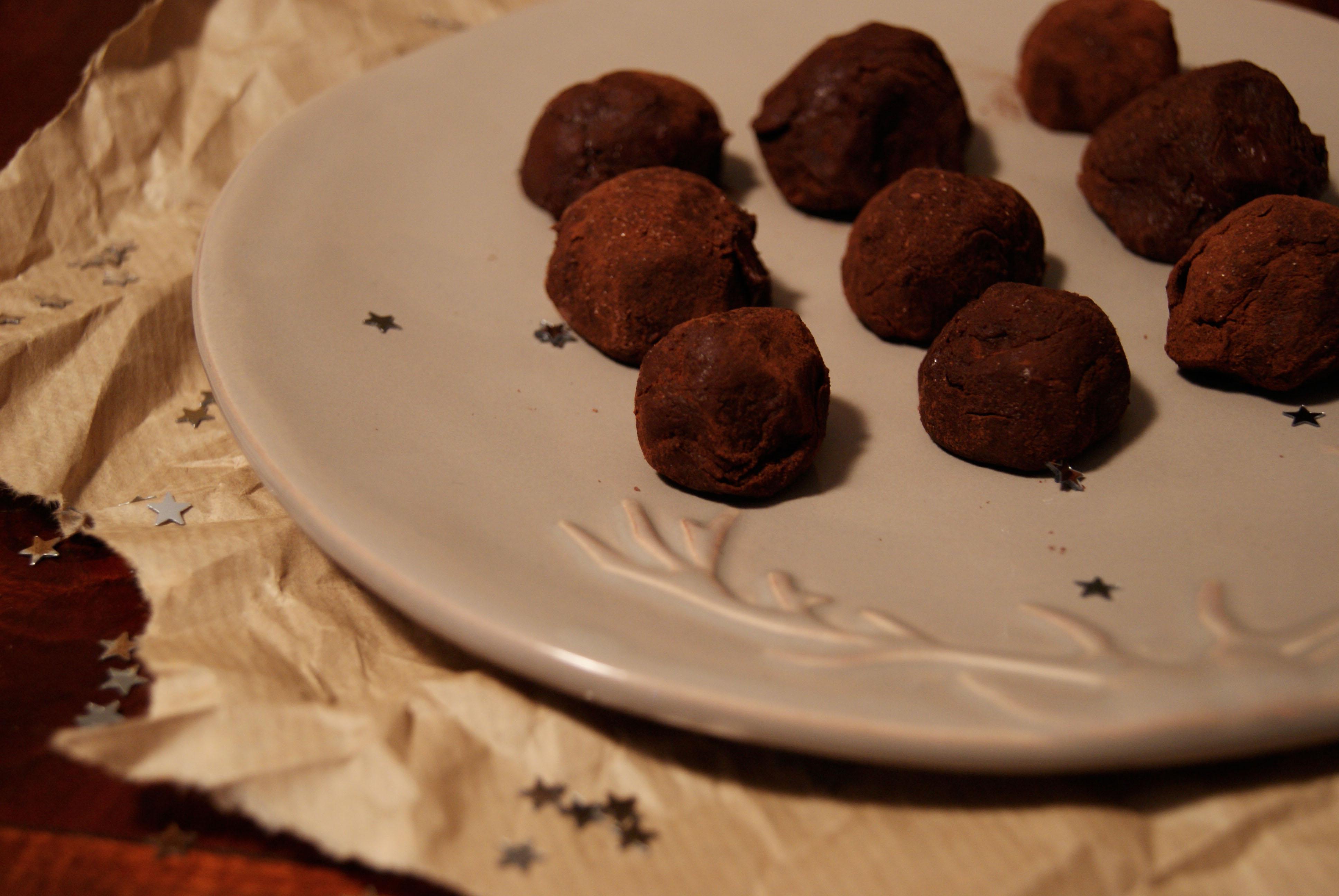Truffes au chocolat et grué de cacao