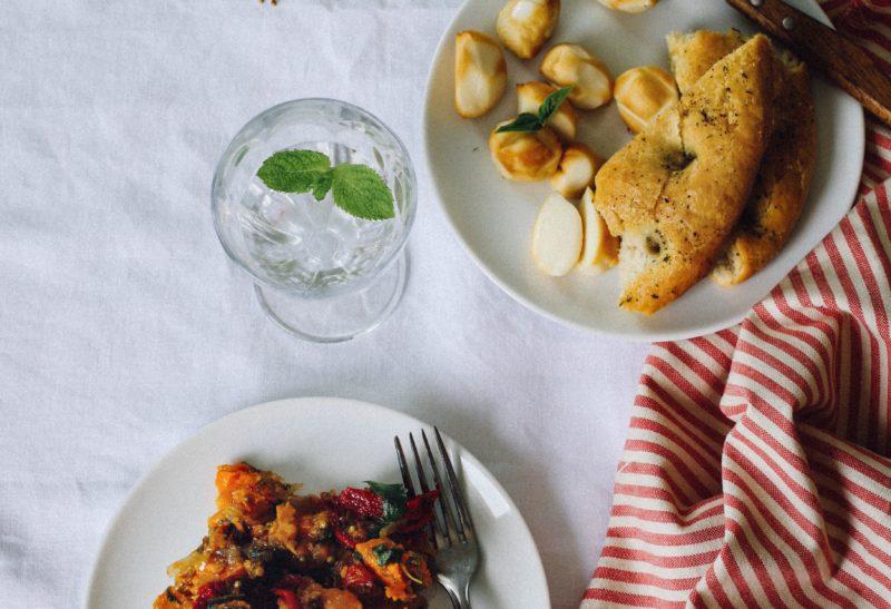 Foccacia et salade de patates douces rôties
