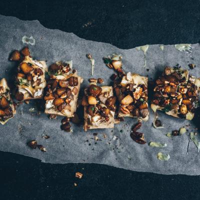 Tartines géantes brie & poires rôties