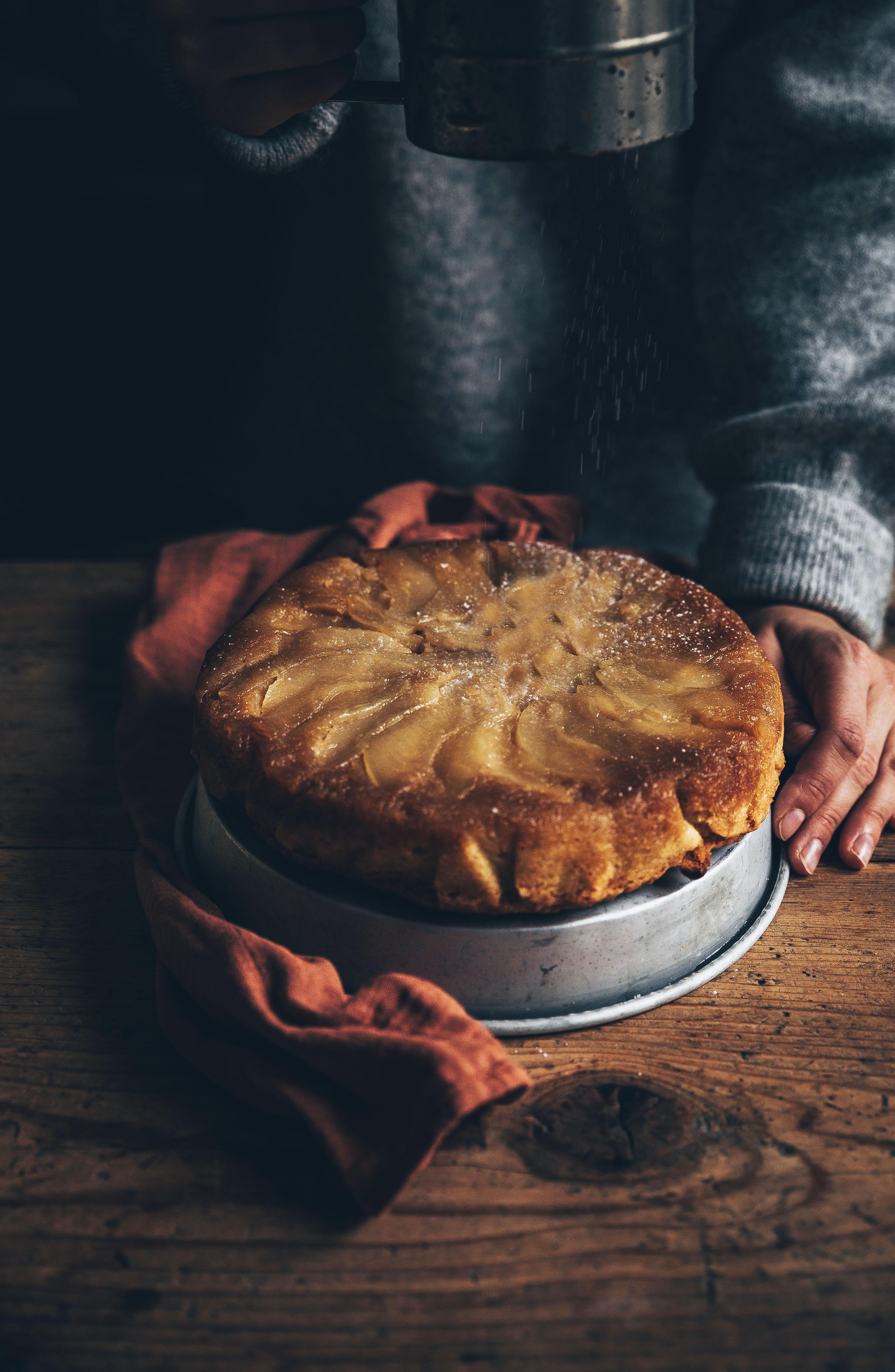 Gâteau renversé aux poires & noisettes