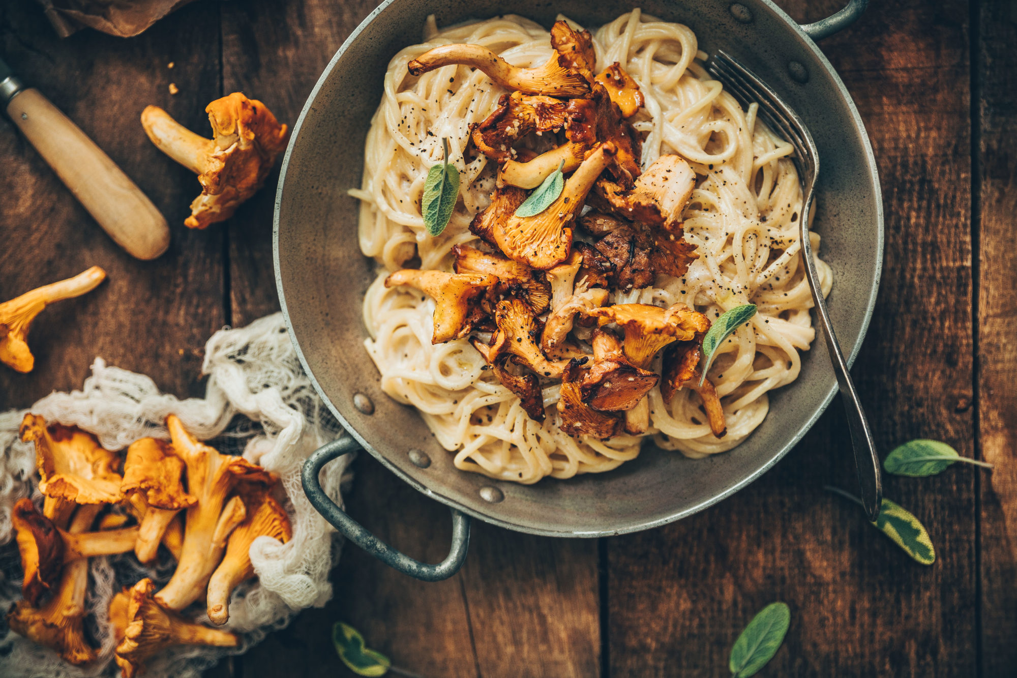 Spaghettis aux girolles sauce 3 fromages