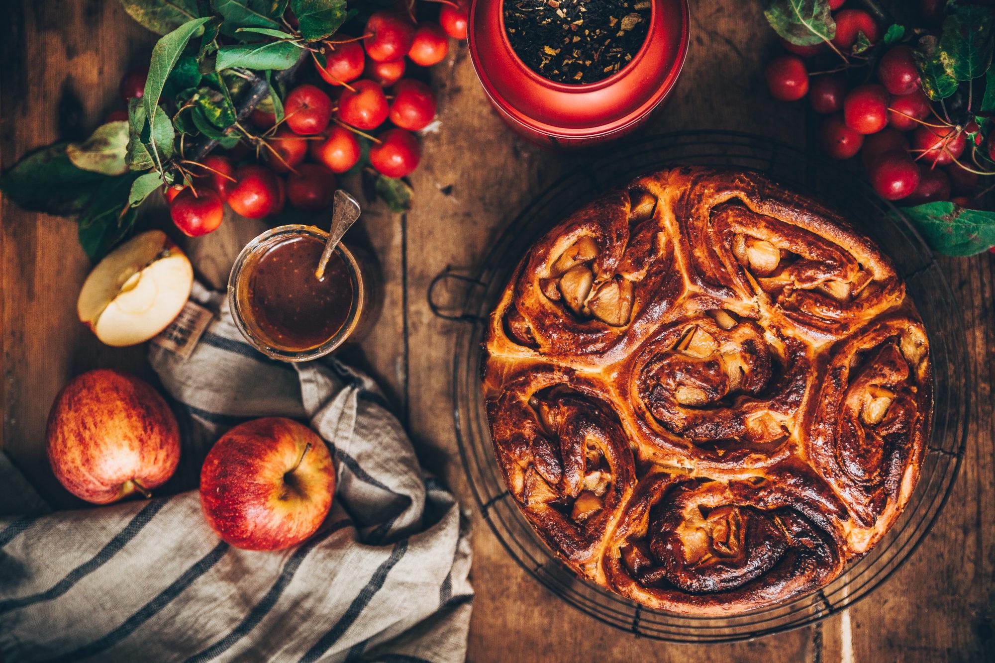Brioche roulée à la pomme et caramel au thé Tsarevna