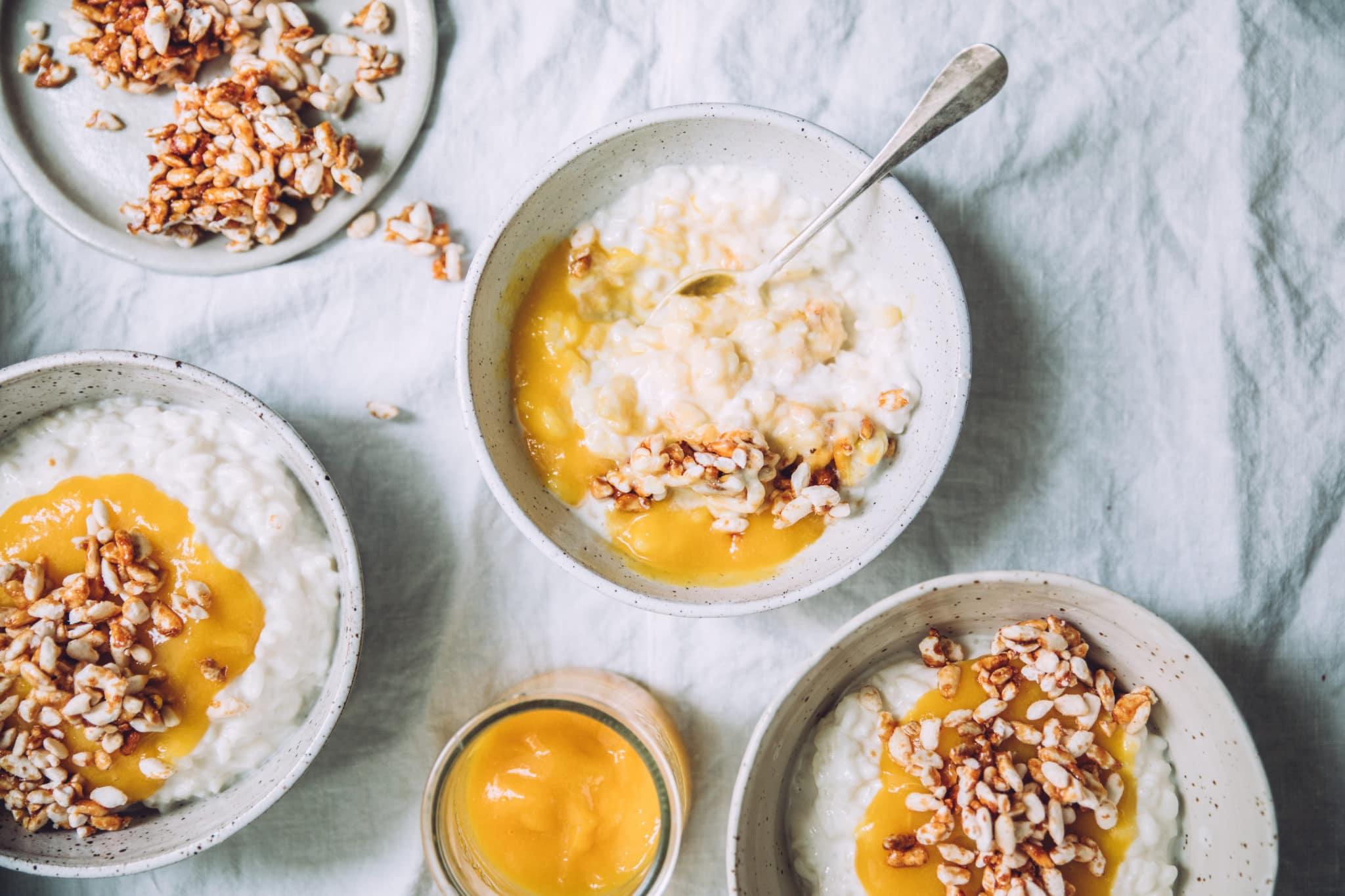 Riz au lait coco et coulis de mangues